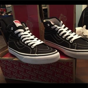 19172847ae ... New Vans size 5.5 ...